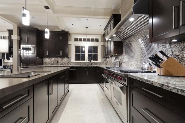 Kitchen Cabinets - Winnipeg Cowry